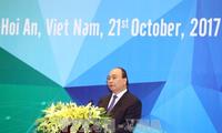 Premierminister Nguyen Xuan Phuc nimmt an APEC-Finanzministerkonferenz teil