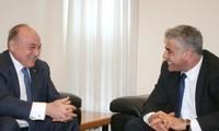 Israel dan Palestina memulihkan perundingan keuangan