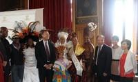 Vietnam untuk pertama kalinya mengahadiri festival Karnaval tropis Paris