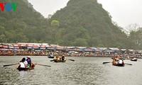 Menyiapkan Festival Pagoda Huong tahun 2015