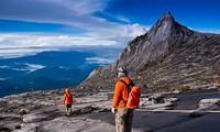 Menaklukkan puncak gunung Kinabalu, Malaysia