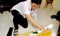 Pham Huy berhasil membuat tangan robot untuk para penderita cacat tangan