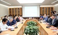 Vietnam berkonsultasi dengan Bank Dunia untuk mengembangkan ekonomi dan perdagangan