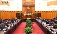 PM Vietnam, Nguyen Xuan Phuc melakukan pembicaraan dengan PM Kanada, Justin Trudeau