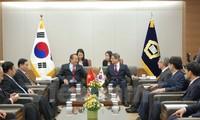 Aktivitas Deputi PM Vietnam, Truong Hoa Binh dalam kunjungan di Republik Korea
