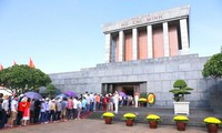 15,000 people visit Ho Chi Minh Mausoleum on National Day