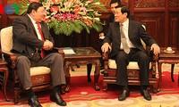 Chủ tịch nước tiếp Đại sứ Mông Cổ
