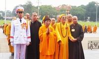 Đại biểu Đại hội PG viếng Lăng Chủ tịch Hồ Chí Minh