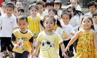 Tốc độ gia tăng tỷ suất giới tính khi sinh ở Việt Nam được khống chế