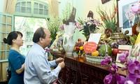 Thủ tướng Nguyễn Xuân Phúc dâng hương tưởng niệm Tổng Bí thư Lê Duẩn