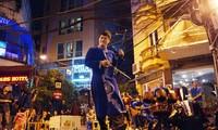 Sống động âm nhạc dân tộc trong đêm phố cổ Hà Nội