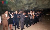 Tổng Giám đốc Đài TNVN dâng hương tại Chùa Trầm nhân kỷ niệm 70 năm ngày toàn quốc kháng chiến