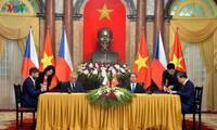 Tổng thống Cộng hòa Czech và Phu nhân kết thúc chuyến thăm cấp Nhà nước Việt Nam