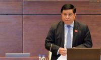 Quốc hội tiếp tục chất vấn Bộ trưởng Bộ Kế hoạch và Đầu tư Nguyễn Chí Dũng