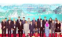 Thông qua tuyên bố về du lịch bền vững