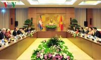 Chủ tịch Quốc hội Nguyễn Thị Kim Ngân hội đàm với Chủ tịch Quốc hội Camphuchia