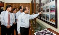 Thủ tướng Nguyễn Xuân Phúc dâng hương tại Khu di tích lịch sử lưu niệm Trung đoàn 52 Tây Tiến