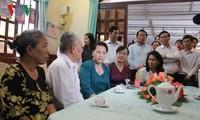 Chủ tịch Quốc hội Nguyễn Thị Kim Ngân thăm các gia đình chính sách tại Thành phố Hồ Chí Minh