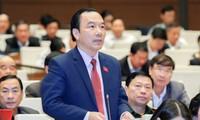 Quốc hội thảo luận về tình hình hình kinh tế-xã hội và ngân sách