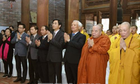 Tưởng niệm các nạn nhân trong đợt thảm sát bom B52 năm 1972 tại Hà Nội