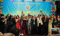 Các cách đón tết của người Việt ở Nga
