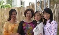 Giữ gìn tiếng Việt và văn hóa Việt cho thế hệ trẻ kiều bào