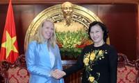 Đoàn Ủy ban Đối ngoại và Quốc phòng Na Uy thăm Việt Nam