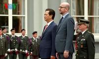 Thủ tướng Nguyễn Tấn Dũng hội đàm với tân Thủ tướng Vương quốc Bỉ Charles Michel