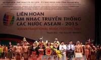 Bế mạc Liên hoan âm nhạc truyền thống các nước ASEAN 2015