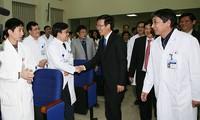 Trưởng Ban Tuyên giáo Trung ương Võ Văn Thưởng chúc mừng Bệnh viện K nhân ngày Thầy thuốc