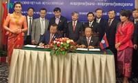 Bộ Tài chính Việt Nam và Bộ Tài chính Lào đẩy mạnh hợp tác