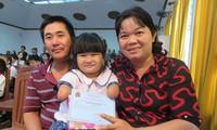 181 học sinh nghèo hiếu học được trao học bổng Nguyễn Đức Cảnh