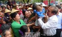Phó Thủ tướng Trương Hòa Bình đối thoại với ngư dân về chính sách bồi thường thiệt hại