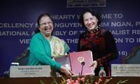 Chủ tịch Quốc hội Nguyễn Thị Kim Ngân hội đàm với Chủ tịch Hạ viện Ấn Độ Sumitra Mahajan