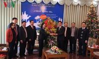 Trưởng ban Dân vận Trương Thị Mai đến thăm và chúc mừng Hội Thánh tin lành Việt Nam