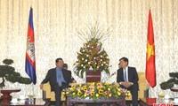Lãnh đạo Thành phố Hồ Chí Minh tiếp Thủ tướng Campuchia Samdec Hun Sen