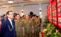 Ấn tượng triển lãm ảnh về hợp tác giữa Bộ An ninh Lào và Bộ Công an Việt Nam