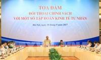 Thủ tướng Nguyễn Xuân Phúc đối thoại chính sách với các tập đoàn kinh tế tư nhân