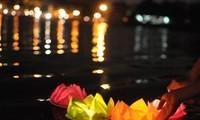 Lễ hội hoa đăng hồ Ba Bể