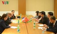 Phó Thủ tướng, Bộ trưởng Ngoại giao Phạm Bình Minh tiếp xúc song phương trong khuôn  khổ ASEM 13