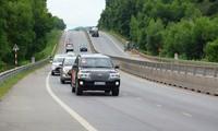 Quốc hội biểu quyết thông qua Nghị quyết  xây dựng một số đoạn đường bộ cao tốc Bắc Nam