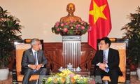 Quốc vụ khanh Bộ Ngoại giao Nhà nước Qatar thăm chính thức Việt Nam
