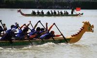 Lần đầu tiên Hà Nội tổ chức Lễ hội bơi chải thuyền rồng