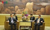 Trưởng Ban Kinh tế Trung ương Nguyễn Văn Bình hội kiến Bí thư Thành ủy Thượng Hải