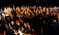 "Earth Hour 2012 in Vietnam: ""You and I act together"""