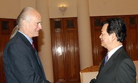 Prime Minister Nguyen Tan Dung receives Prince Alfred of Liechtenstein