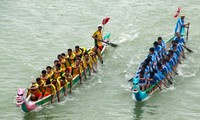 Dragon boat race festival in Ha Tinh