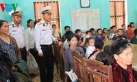 Vietnam combats typhoon Haiyan