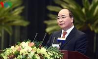 Prime Minister Nguyen Xuan Phuc meets prominent Overseas Vietnamese