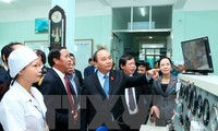 Prime Minister works with Vietnam Maritime Medicinal Academy